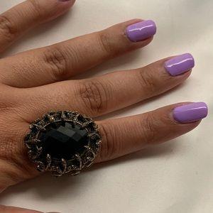 Lucky Brand 🍀 Chuncky black stone gold tone ring